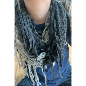Trendy knit scarf grey and charcoal almost black
